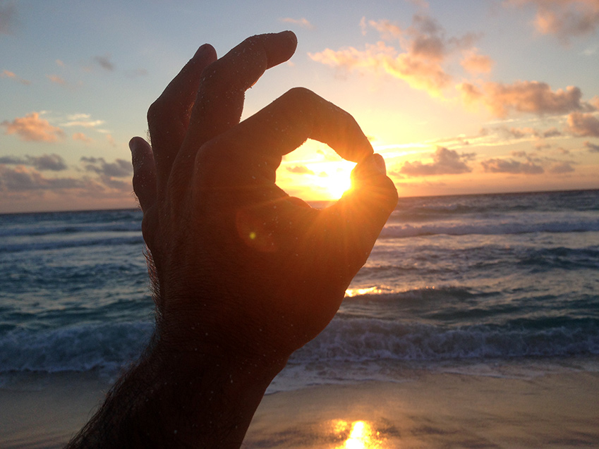 How to practice sungazing to improve your health - Kawoq